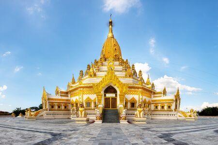 Swe taw ミャッ ・仏の歯の遺物パゴダ、ヤンゴン ミャンマー ビルマ 写真素材