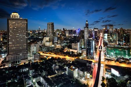황혼 높은 건물, 방콕, 태국 방콕 도시 사업 지구 스톡 콘텐츠