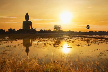 Grote Boeddha van Thailand, Boeddha standbeeld op Wat Muang, Ang Thong grootste in de wereld
