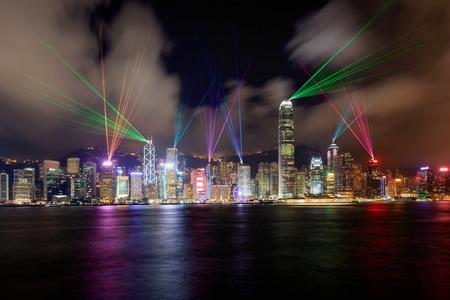美しいレーザー ショー、香港のビクトリア港の風景 写真素材
