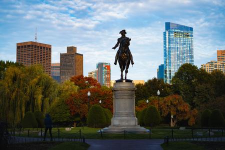 George Washington monument at Public garden in Boston Massachusetts USA Фото со стока - 124121925
