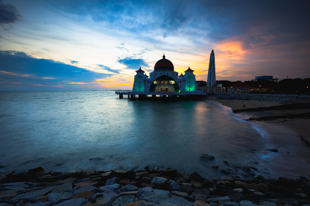 Malacca straits mosque at dusk Standard-Bild