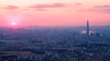 Seoul city skyline, South Korea Фото со стока - 121622992