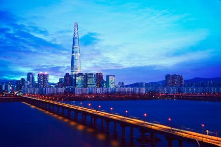 Twilight sunset at Han river, Seoul city skyline South Korea 写真素材
