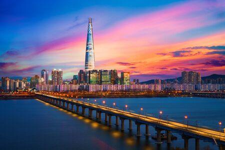 Twilight sunset at Han river, Seoul city skyline South Korea Zdjęcie Seryjne