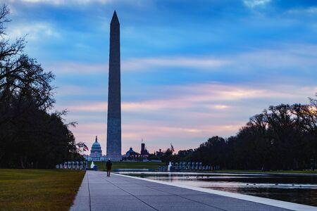 Washington monument at sunrise, Washington dc USA Standard-Bild - 130164627