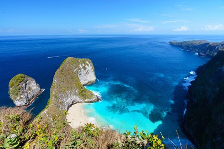 Aerial view of Kelingking beach (Manta bay) is one of the most famous and beautiful spot in Nusa Penida, island near Bali. Indonesia. Zdjęcie Seryjne