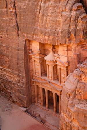 siq: View from above of the Treasury in Petra, Jordan