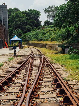 distance: railroad lead to a curve distance