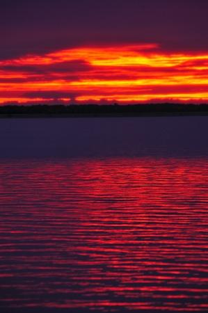 Fiery Sunset Over Lake Petenwell, Wisconsin Stockfoto
