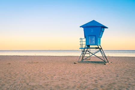サンタ バーバラのビーチで夕方気分。カリフォルニアの海岸。