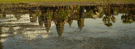 reflex: pond and reflex in front of ankor wat