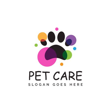 Pet shop clinic home care logo design with house, bright yellow sun and dog or cat footprints Stock Illustratie