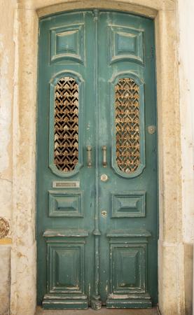 puertas viejas: Las puertas viejas