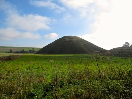wiltshire: Silbury Hill in Wiltshire