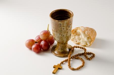holy communion: Primera Comuni�n composici�n sobre fondo blanco