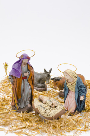 vierge marie: Cr�che de No�l. Les chiffres de l'enfant J�sus, la Vierge Marie et saint Joseph sur fond blanc.