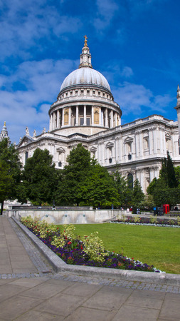 st pauls: St. Pauls Cathedral and Gardens, London, England, United Kingdom.
