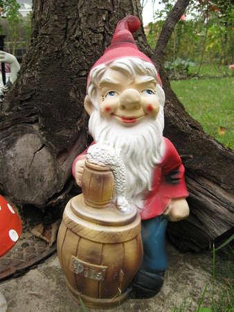 nain de jardin: Garden gnome