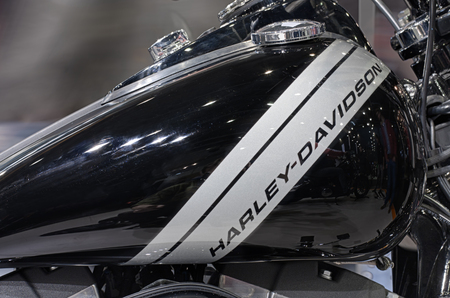 harley davidson: BRNO, CZECH REPUBLIC-MARCH 4,2016: Close up  fuel tank of motorcycle Harley Davidson Dyna Fat Bob  on International Fair for Motorcycles on March 4,2016 in Brno in Czech Republic