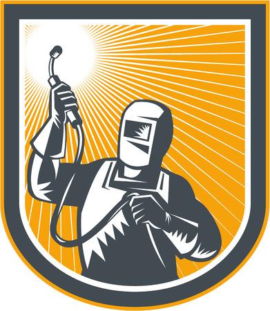soldador: Ilustración de soldador trabajador fabricante sosteniendo la antorcha de soldadura, vistos de frente dentro de escudo en el fondo aislado hecho en estilo retro.
