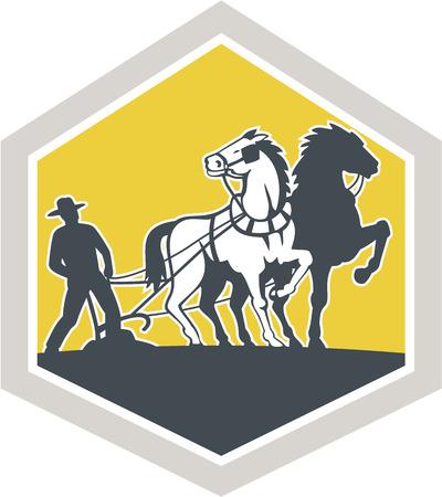 arando: Ilustración del granjero y de campo para agricultores arando caballo visto de frente fijó dentro cresta forma de escudo hecho en estilo retro grabado en el fondo aislado. Vectores