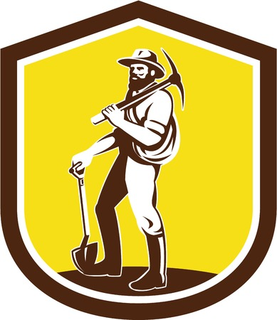 prospector: Ilustración de un prospector minero de carbón que lleva el sombrero que lleva piqueta en el hombro y la celebración de una pala frontal situada en el interior cresta escudo hecho en estilo retro en el fondo aislado.