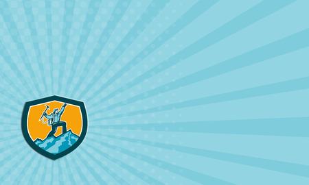 mountain climber: Illustrazione Biglietto da visita di montagna scalatore scalata raggiungendo la vetta celebra tenendo piccozza impostare all'interno forma scudo stemma sullo sfondo isolato fatto in stile retr� xilografia.