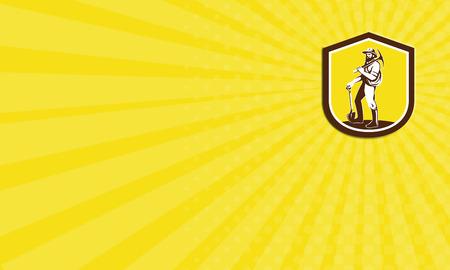 prospector: Tarjeta de negocios que muestra la ilustración de un prospector minero de carbón que lleva el sombrero que lleva piqueta en el hombro y la celebración de una pala frente al frente fijó dentro cresta escudo hecho en estilo retro en el fondo aislado.