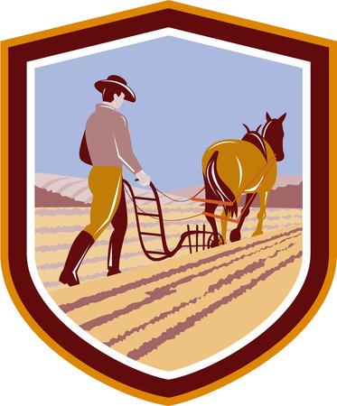 arando: Ilustración de los agricultores y el campo de la granja del caballo de arar se ve desde la espalda dentro de escudo escudo hecho en estilo retro en el fondo aislado.