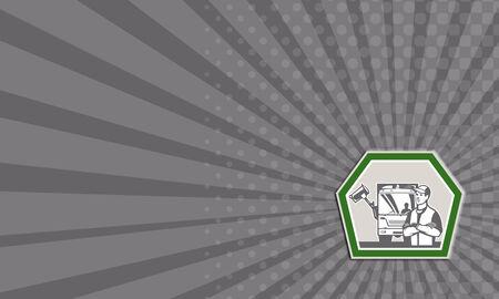recolector de basura: Tarjeta de negocios que muestra la ilustraci�n de un cami�n recolector de basura con la basura en el fondo de la recogida de residuos situada en el interior forma de escudo hecho en estilo retro. Foto de archivo