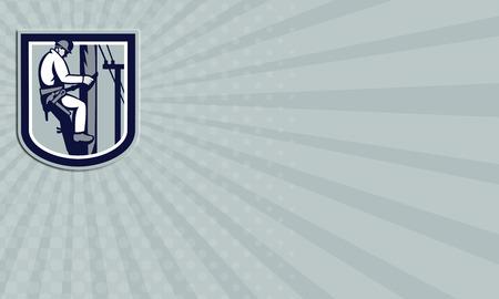 telephone cable: Tarjeta de negocios que muestra la ilustraci�n de un trabajador del instalador de l�neas de potencia tel�fono reparador Clmbing poste el�ctrico reparaci�n de cable de alimentaci�n hecho en estilo retro dentro de escudo.