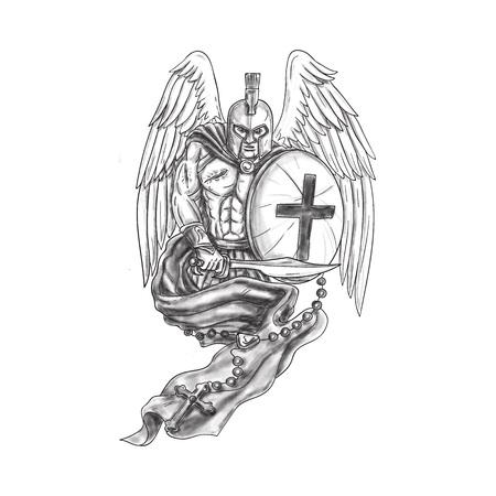 Ilustración del estilo del tatuaje de un ángel herido del guerrero espartano que usa el casco que sostiene la espada y el blindaje cubiertos con el rosario visto del conjunto delantero en fondo blanco aislado. Foto de archivo - 77627797