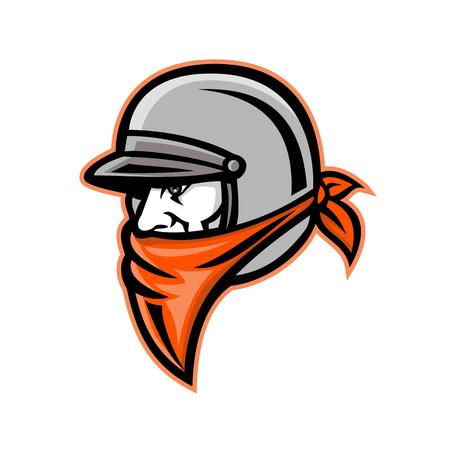 Ilustración del icono de la mascota de la cabeza de un motociclista forajido masculino o un jinete del club de motocicletas que lleva un casco vintage y un pañuelo o bufanda visto de lado sobre fondo aislado en estilo retro Ilustración de vector