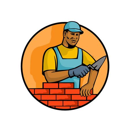Maskottchenillustration eines schwarzen afroamerikanischen Maurers oder Maurers, der Ziegel legt, um Mauerwerksmauerwerk innerhalb des Kreises auf lokalisiertem weißem Hintergrund zu konstruieren, der im Retro-Stil gemacht wird. Vektorgrafik