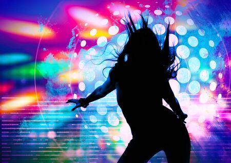 bailando la silueta de la niña en un club nocturno  Foto de archivo