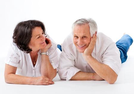 jaunty: pareja agradable y feliz en el suelo