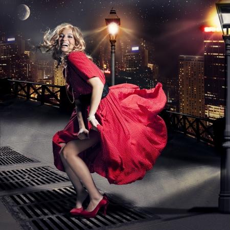 nobile: ragazza nel vento come Marylin Monroe