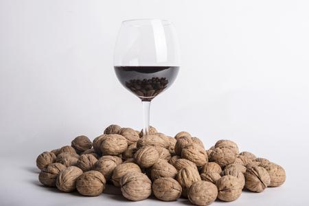 Walnuts with wine