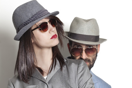 Gangster couple wearing sunglasses Stockfoto