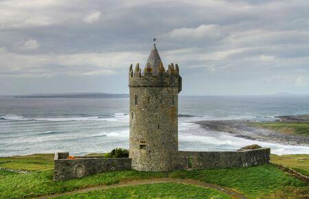 doolin: Castle in Doolin, Ireland