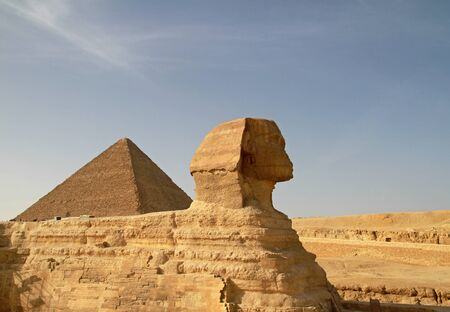 cheops: Sphinx and Cheops pyramid