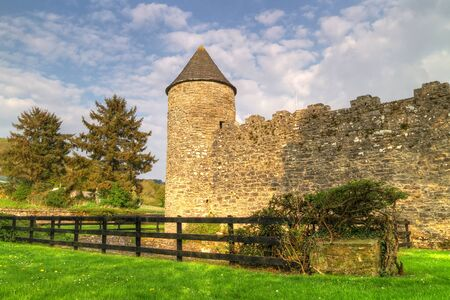 Walls of Parkes Castle in County Leitrim, Ireland 報道画像