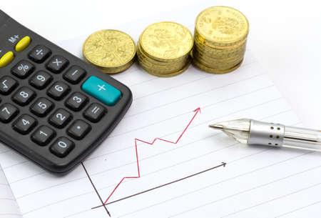 gold bar earn: Calculating progress of savings Stock Photo