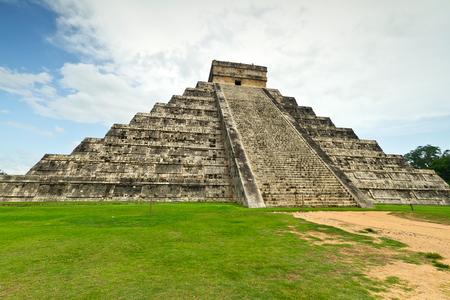 kukulkan: Kukulkan pyramid in Chichen Itza, Mexico Stock Photo