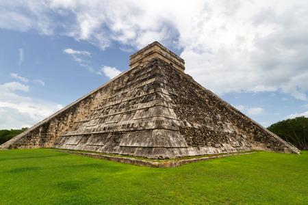 itza: Chichen Itza pyramid in Yucatan, Mexico
