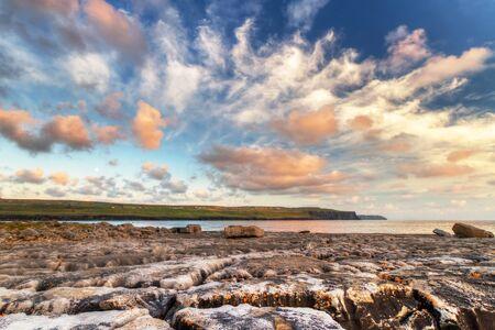 doolin: Sunrise at the Atlantic ocean in Doolin, Ireland