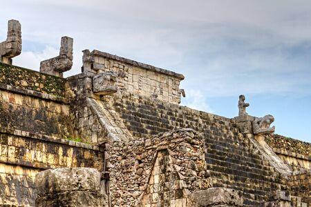 itza: Temple of the Warriors in Chichen Itza, Mexico Stock Photo