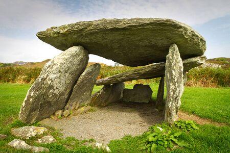 co cork: Pre-historic stone portal in Co. Cork, Ireland