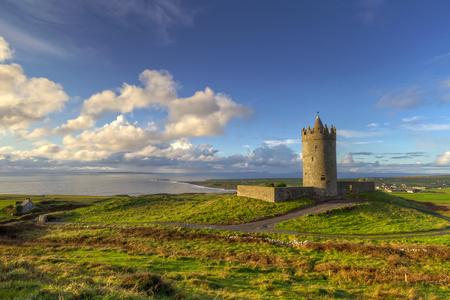 doolin: Doonagore castle near Doolin, Co. Clare, Ireland Editorial